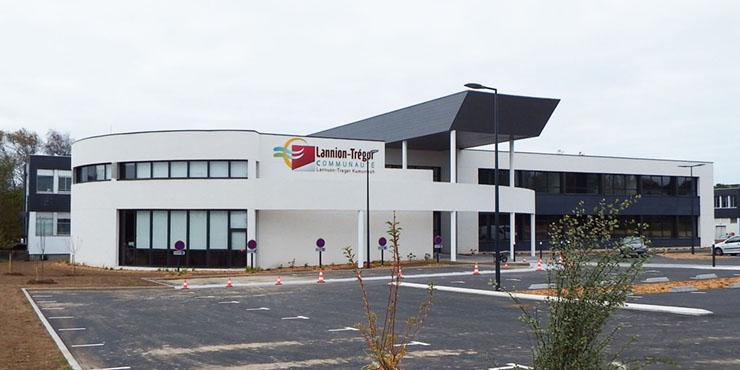Photo de l'extérieur du bâtiment servant de siège à Lannion-Trégor Communauté